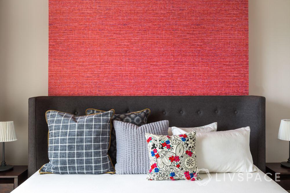 vastu-for-love-red-bedroom-headboard-wall