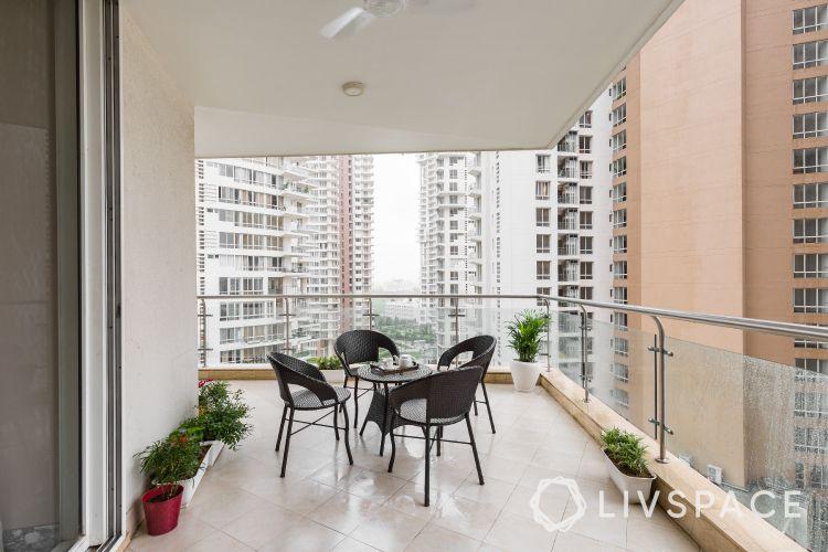balcony furniture ideas-patio furniture set-balcony plants-table set