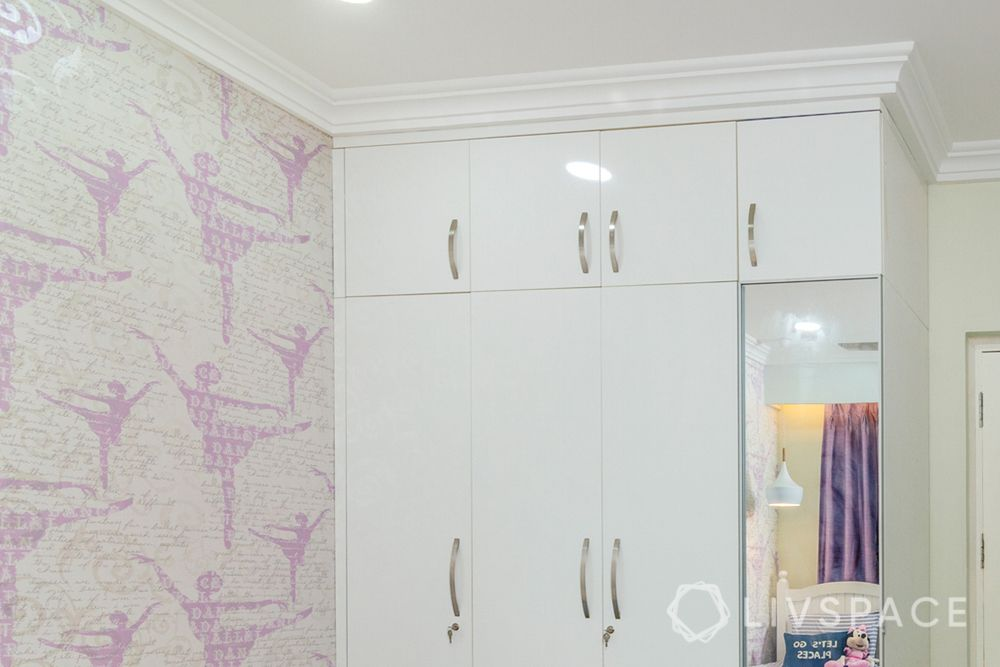 wall molding-crown molding