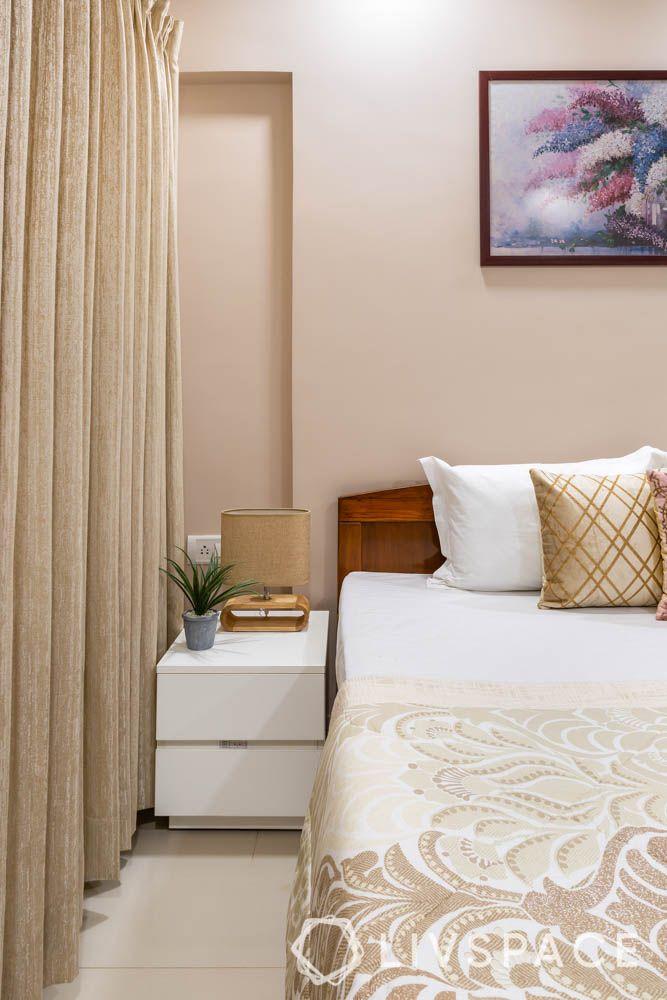 2-bhk-flat-in-mumbai-master-bedroom-side-table