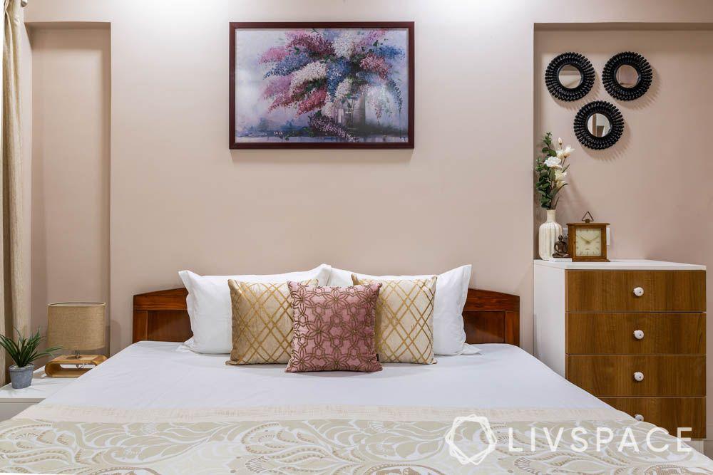 2-bhk-flat-in-mumbai-master-bedroom-bed
