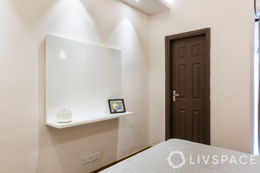 3bhk-flat-design-master bedroom-pu finish tv unit