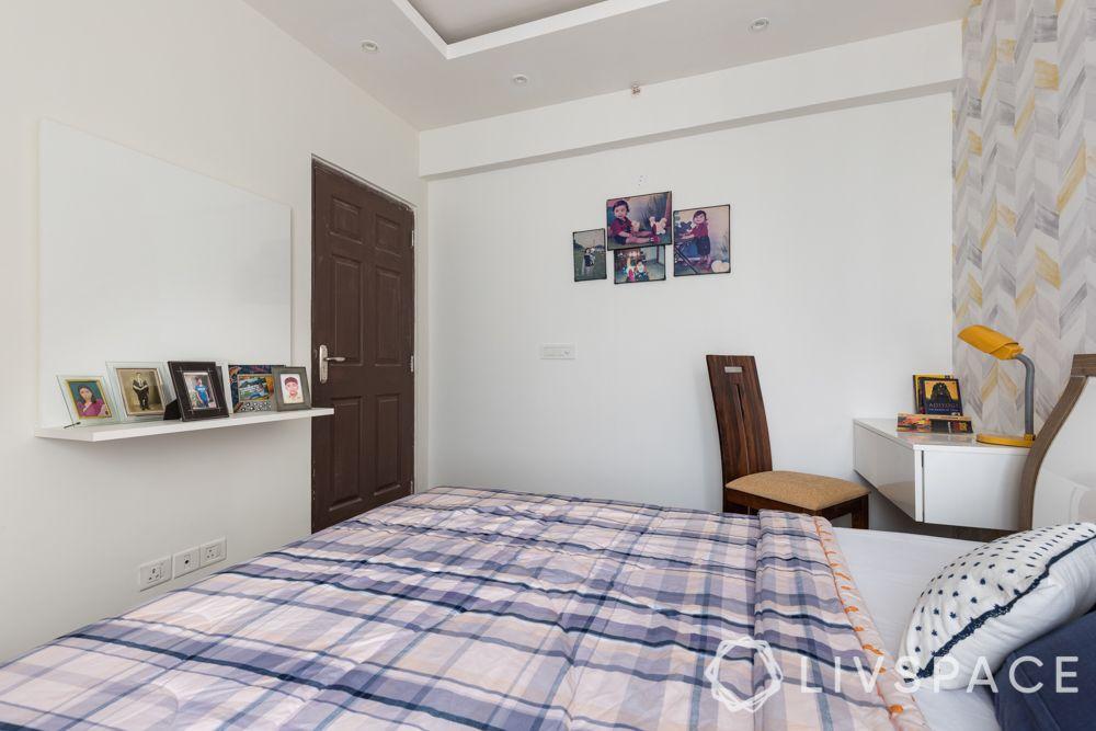 3bhk-flat-design-study room-false ceiling