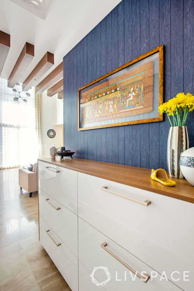 foyer decor-blue wall colour