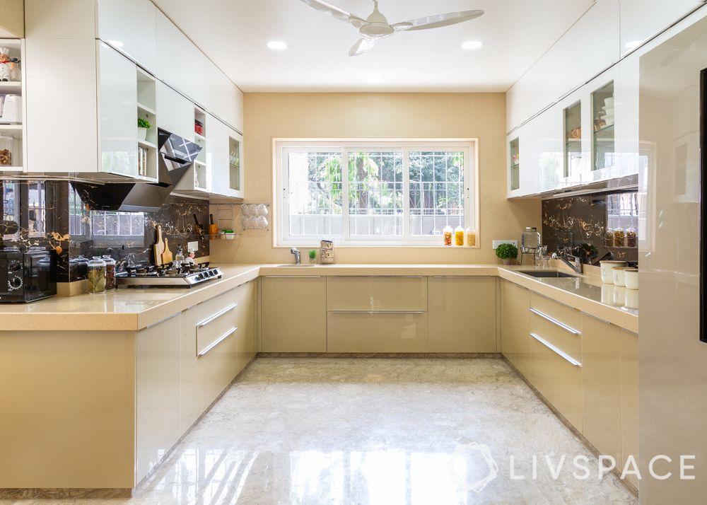 modern villa design-marble tile backsplash-hob-chimney-open shelves-beige and white cabinets
