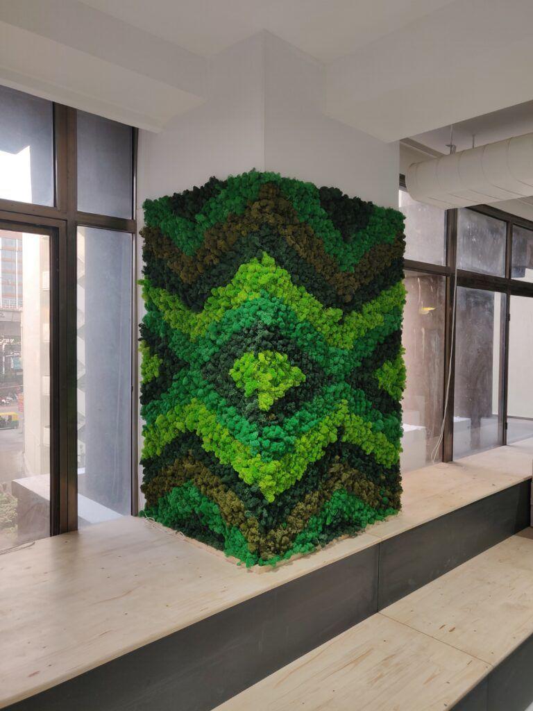 Moss frame-pillar