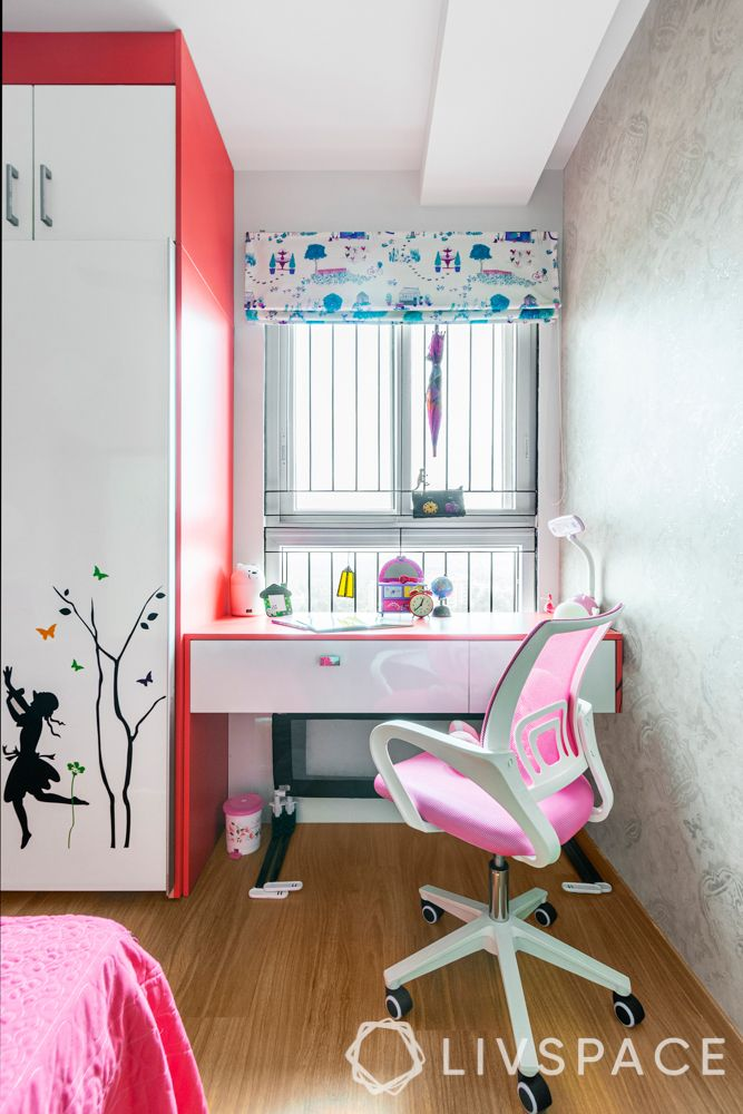 3-bhk-flat-interior-design-study-table-daughter-room