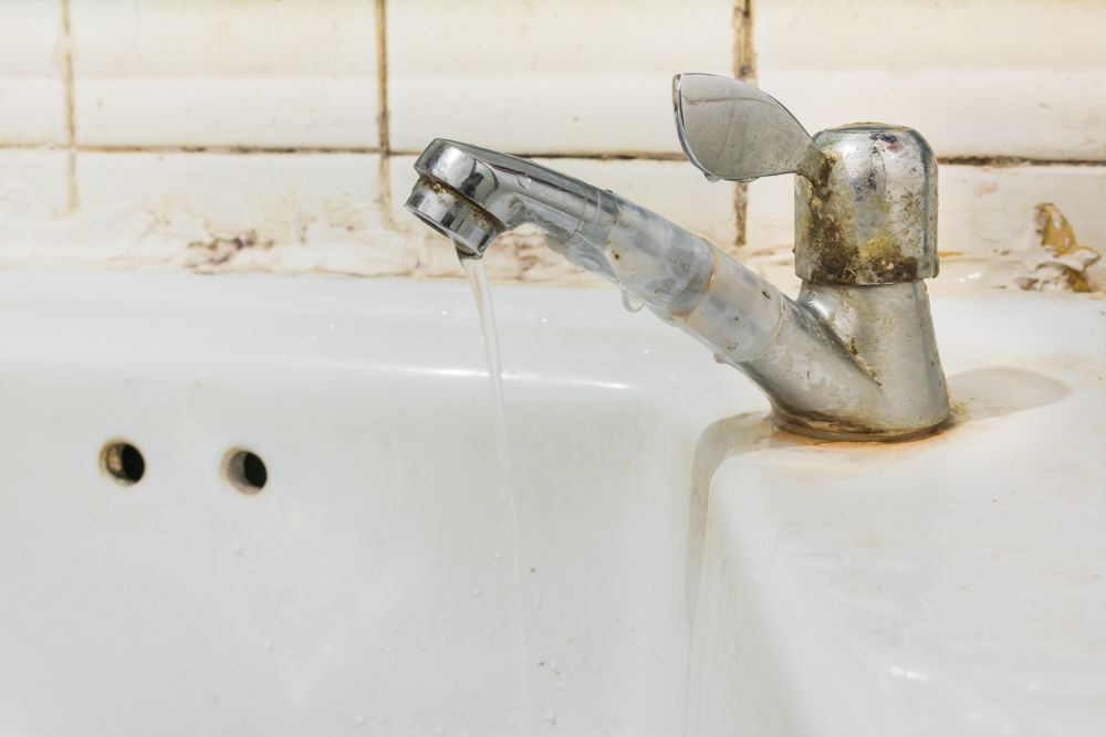 how-to-fix-a-leaking-tap-rusty-tap-cleaning