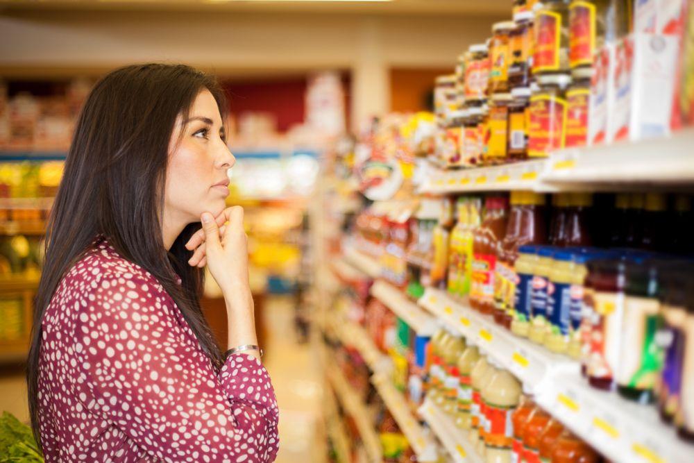 coronavirus-shopping-list-while-buying