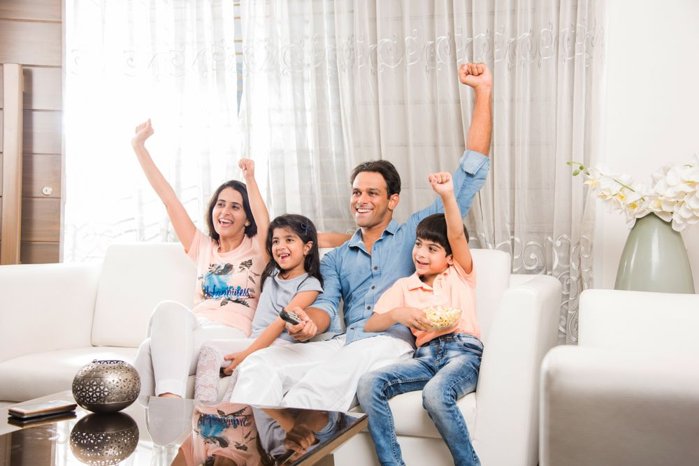 how to survive a lockdown-family time