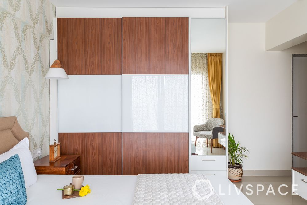 types of wardrobe finishes-laminate-lacquered glass