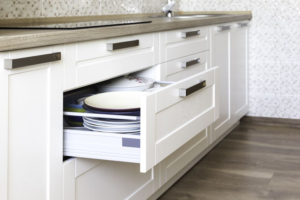 kitchen base cabinets-base cabinets-handles-plates