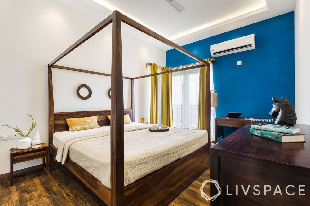 bedroom layout-four poster bed-wooden bed-headboard design