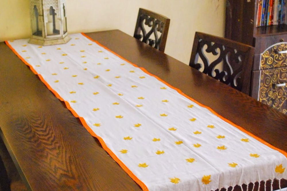 diy ideas for the home-dupatta upcycle-table runner-paint craft