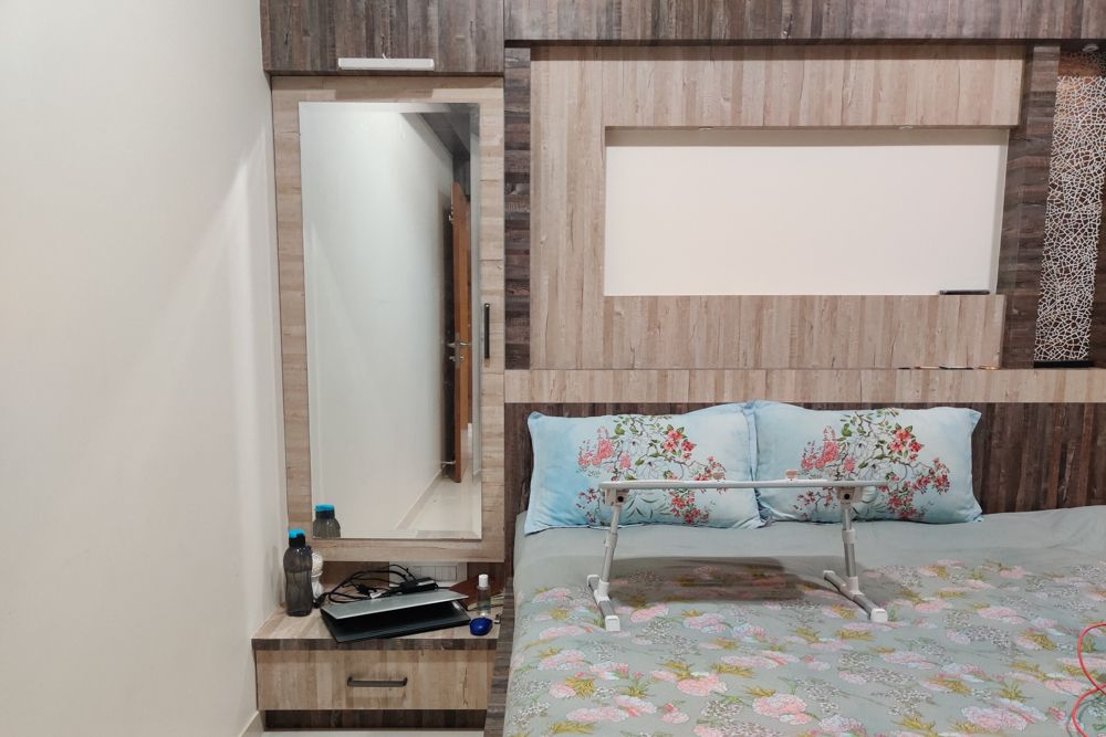 home office designbed-bed table-side table-mirror
