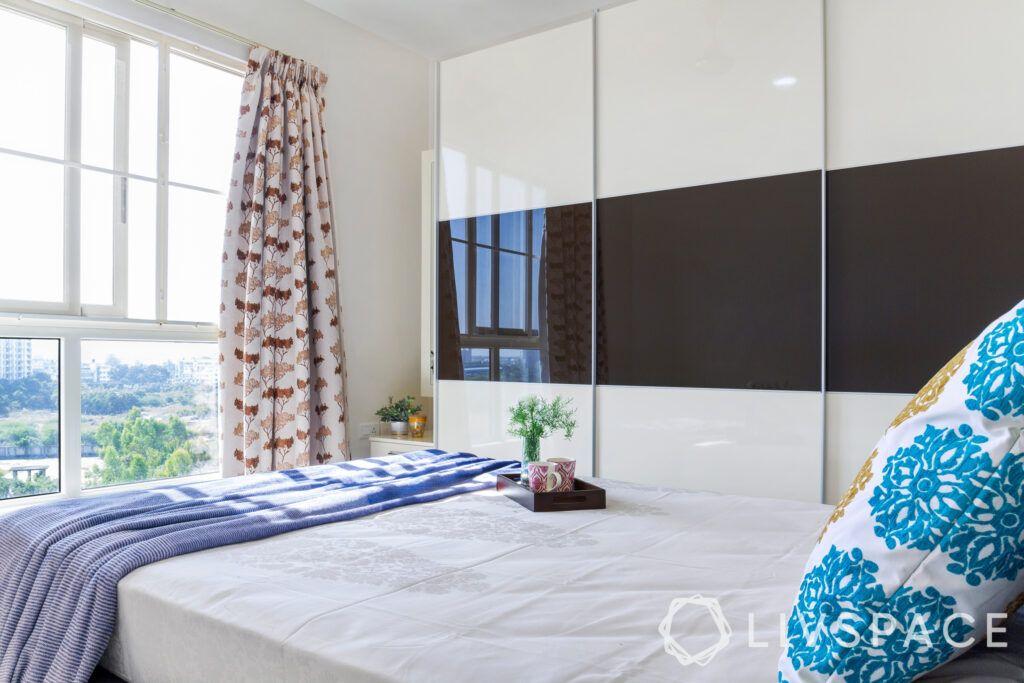 master-bedroom-sliding-wardrobes