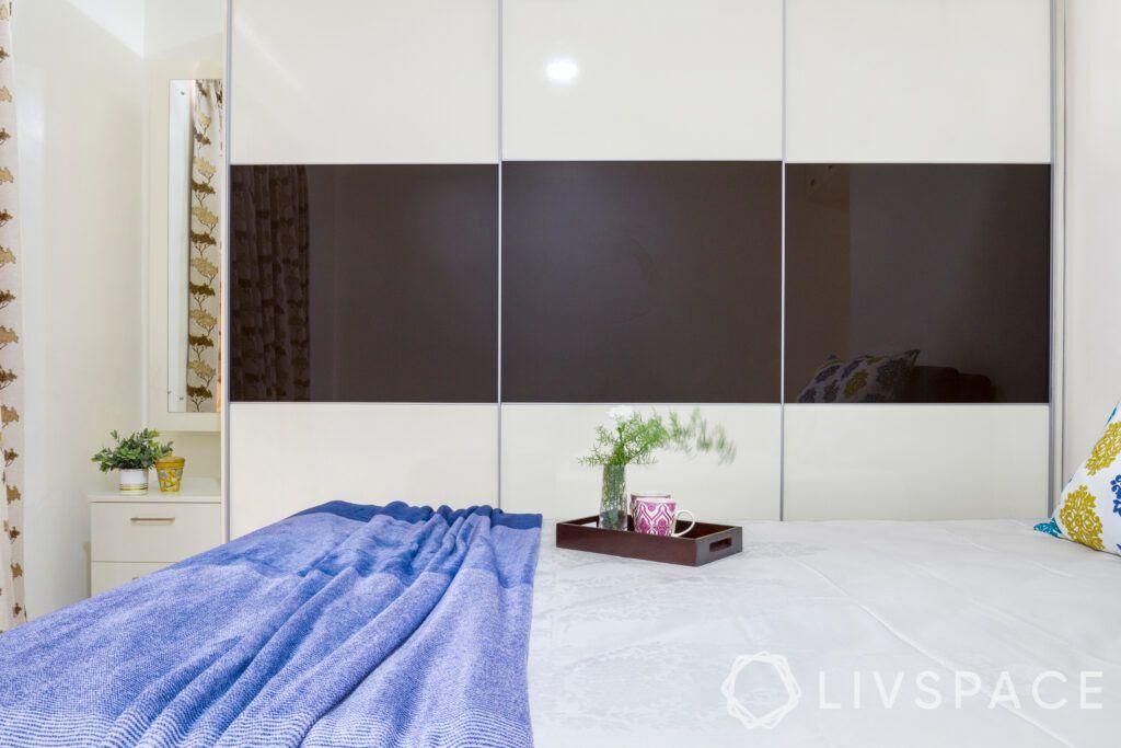 master-bedroom-dresser-corner
