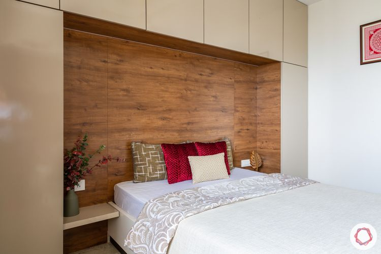 integrated furniture-bed without headboard