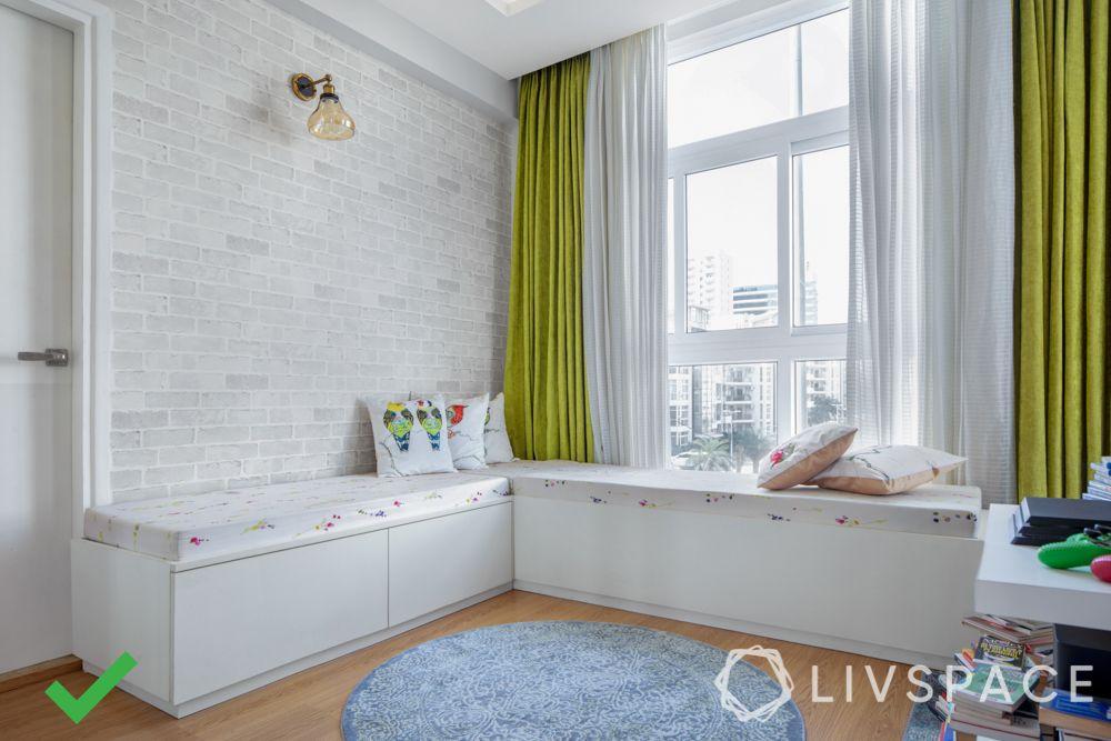 bad interior design example-window seating-wooden flooring