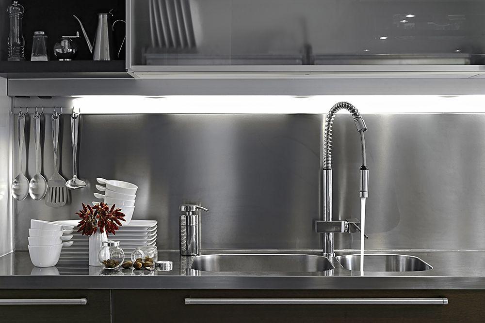 kitchen-backsplash-on-a-budget-stainless steel
