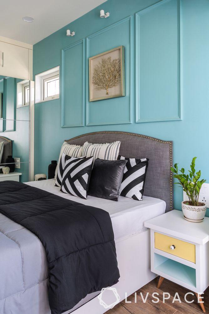 mumbai interior designer-blue wall-wall moulding