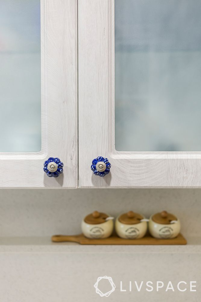cabinet handle-white cabinet