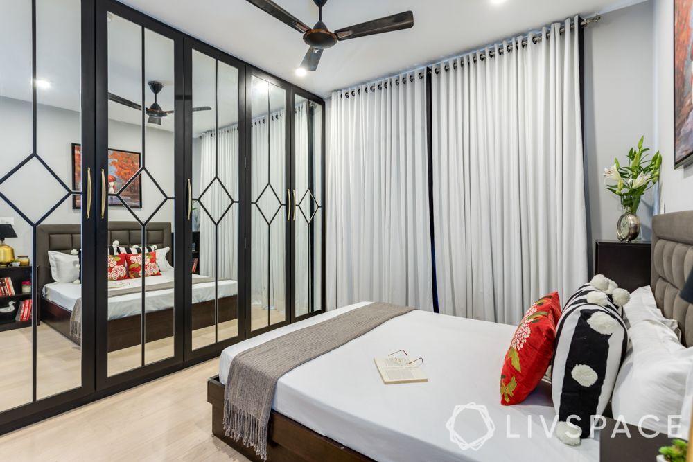 cupboard-one-wall-mirror-pattern-bedroom
