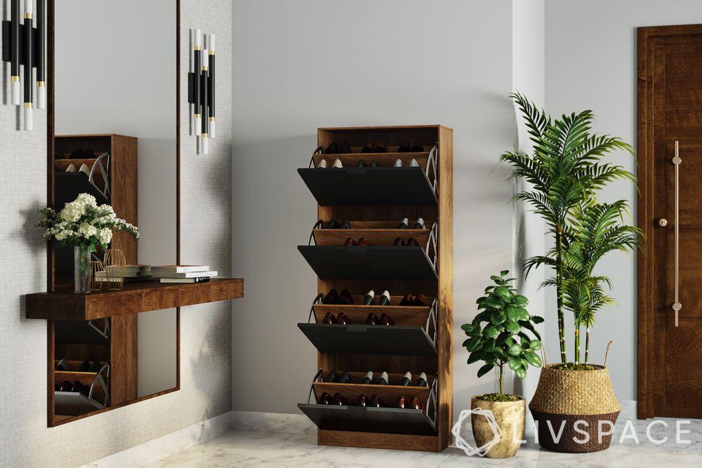 decorating-with-plants-baskets-pots-mirror-shoe-cabinet