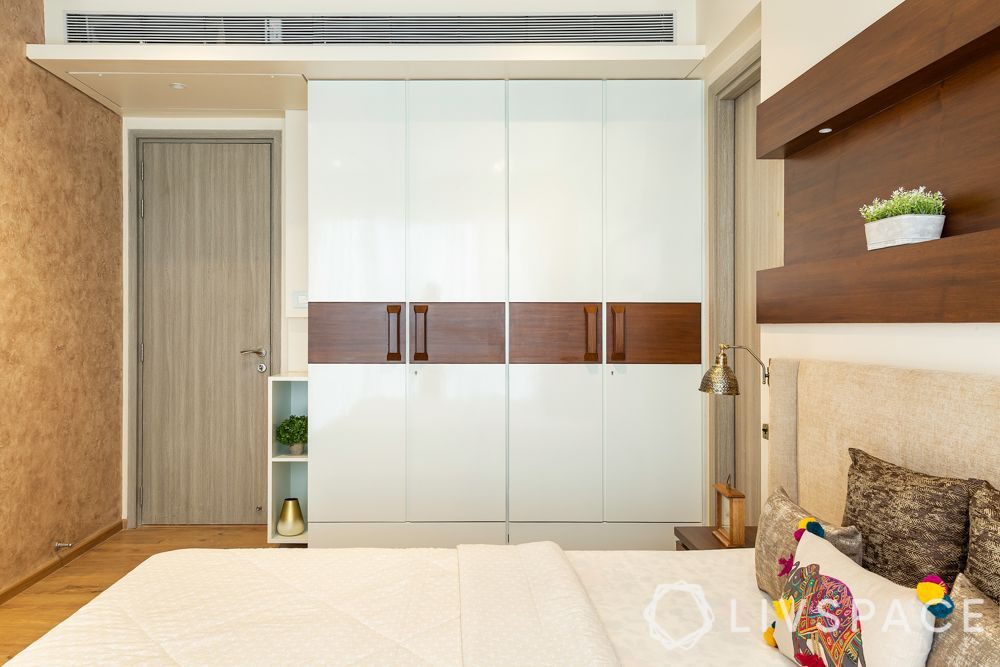 floor-to-ceiling wardrobe-wooden handles