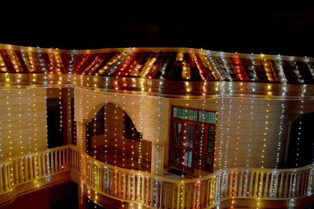 Diwali decoration ideas for home-staircase-rangoli-lamps-diyas