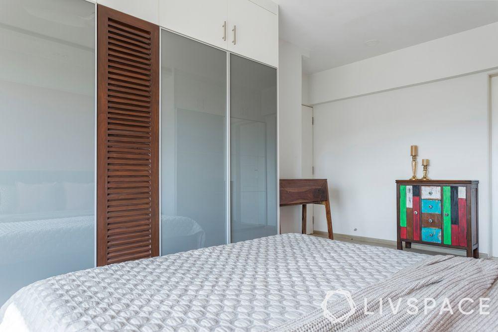 sliding wardrobe-louvre shutters
