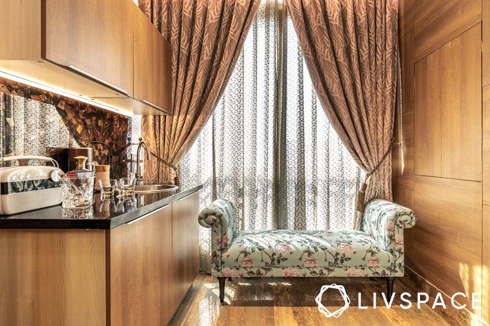 bar unit-lounge-indoor balcony