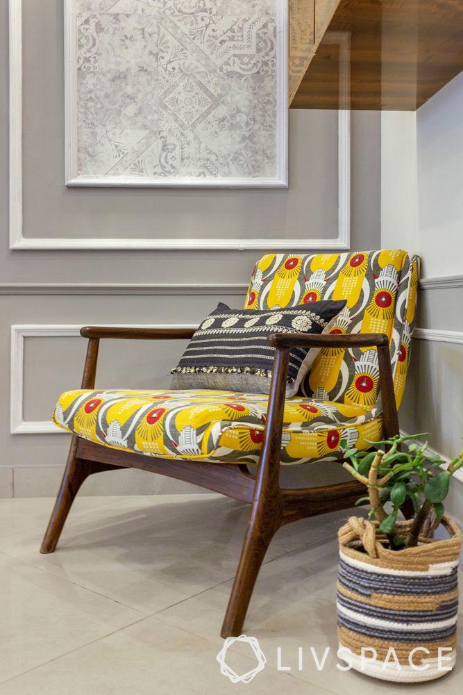 modern interior designer-grey moulded wall-indian prints