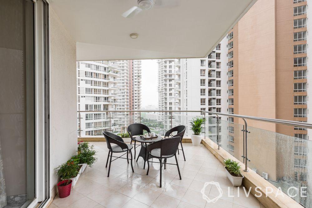 grill in balcony-minimalistic