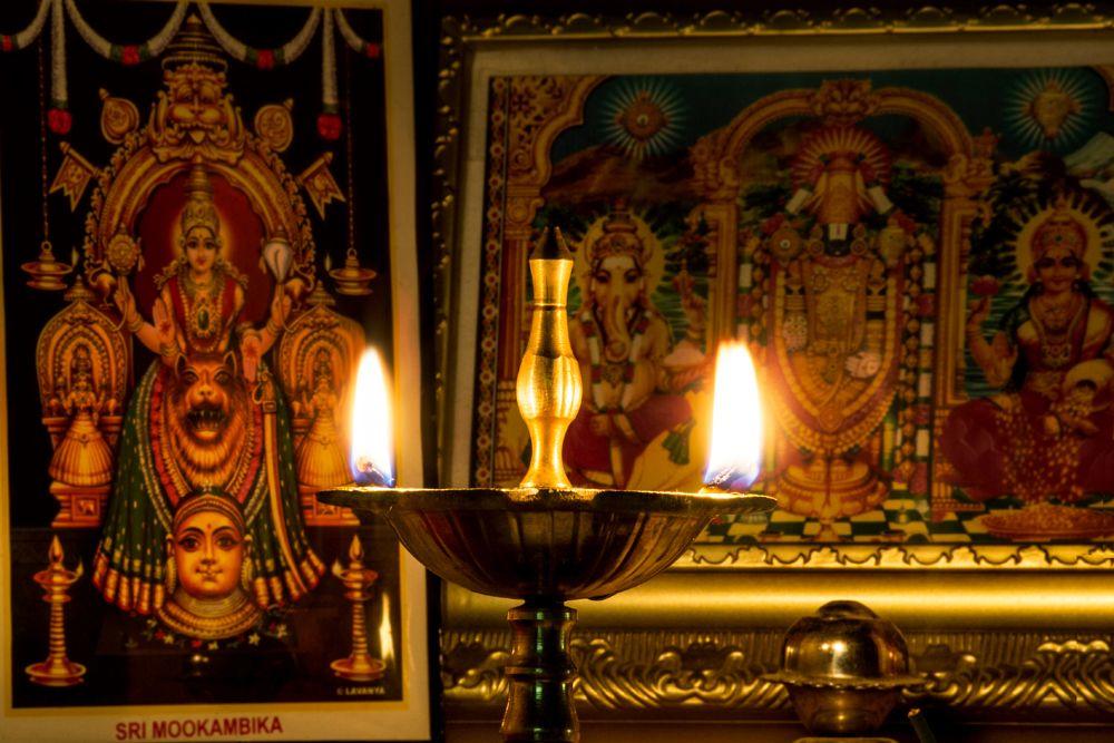 placement of diwali diya-diya in pooja room