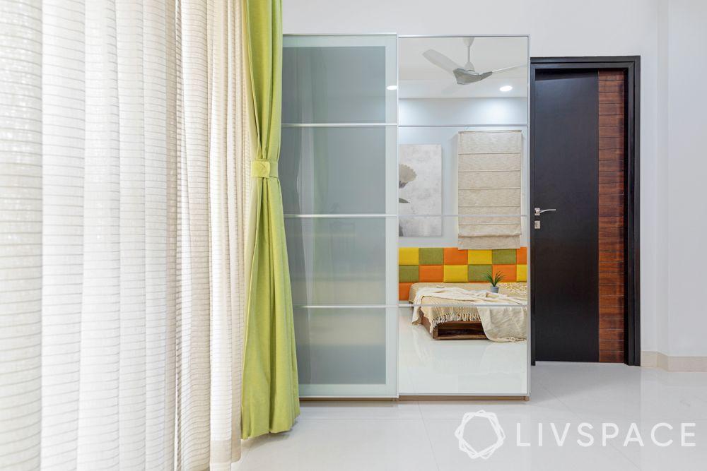 sliding wardrobe-mirror shutter