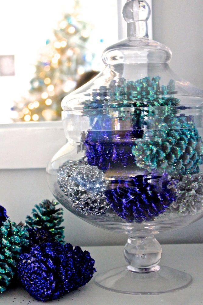 Christmas décor-sparkly pine cones