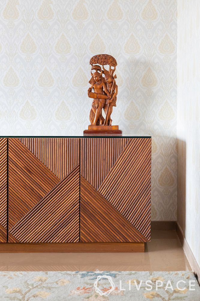 4bhk flat-wooden console design