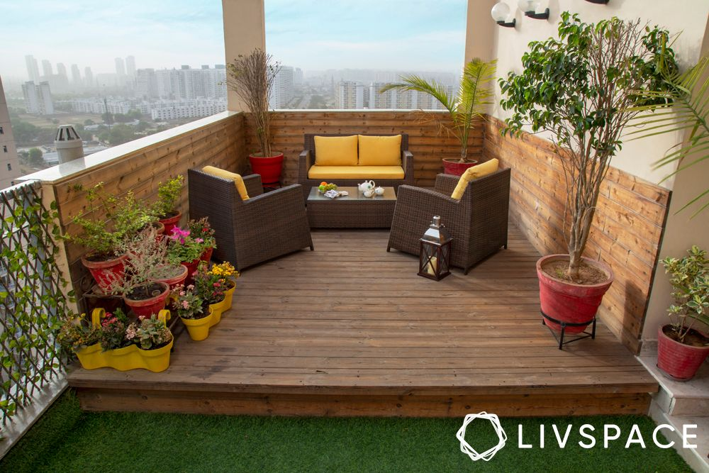 balcony seating ideas-wooden deck
