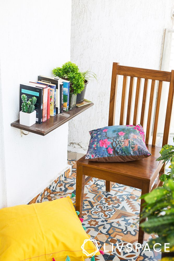 balcony seating ideas-wooden chair