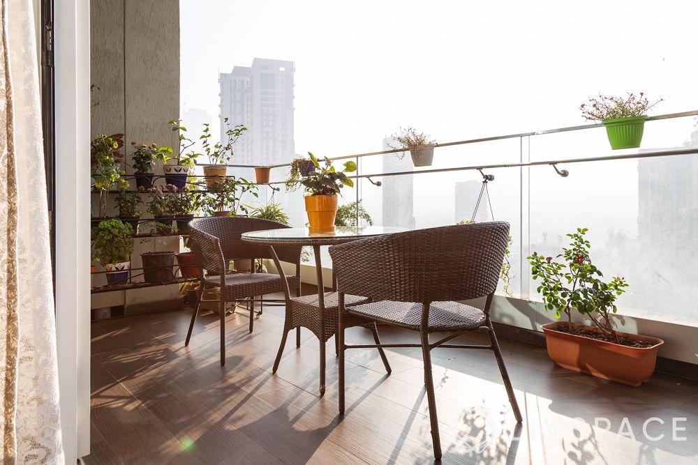 balcony decor-wicker furniture