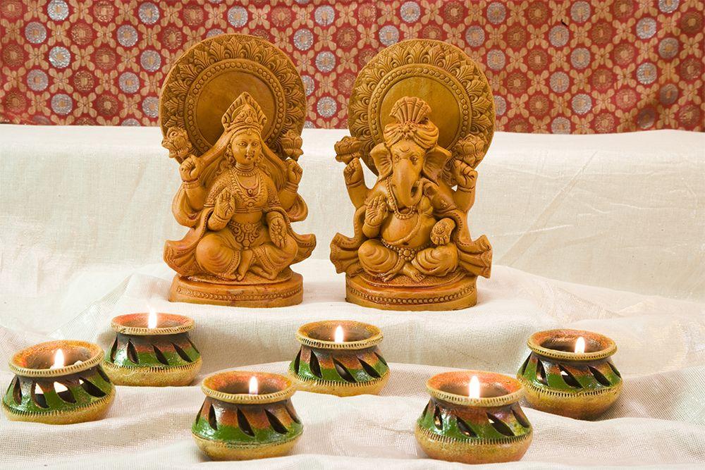 vastu for home entrance-ganesha-laxmi
