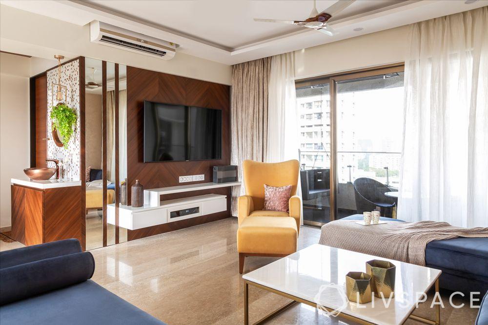 mumbai 4bhk-TV unit-veneer panelling-glass panelling