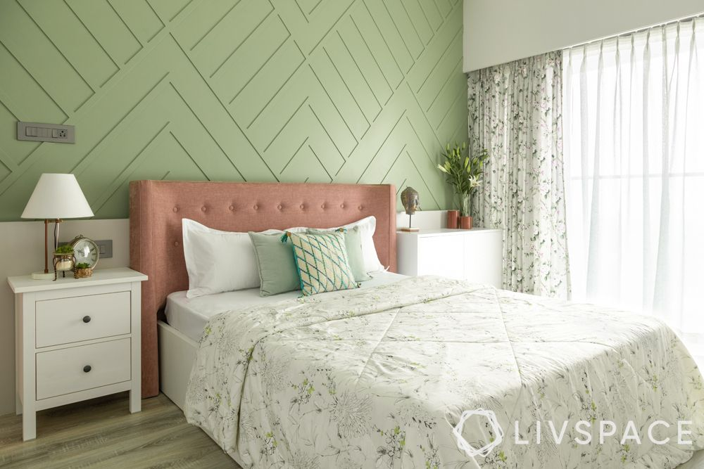 green wall-wall trims-pink headboard