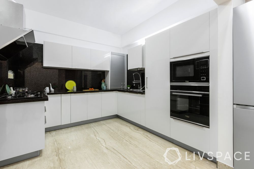 white kitchen-handleless kitchen
