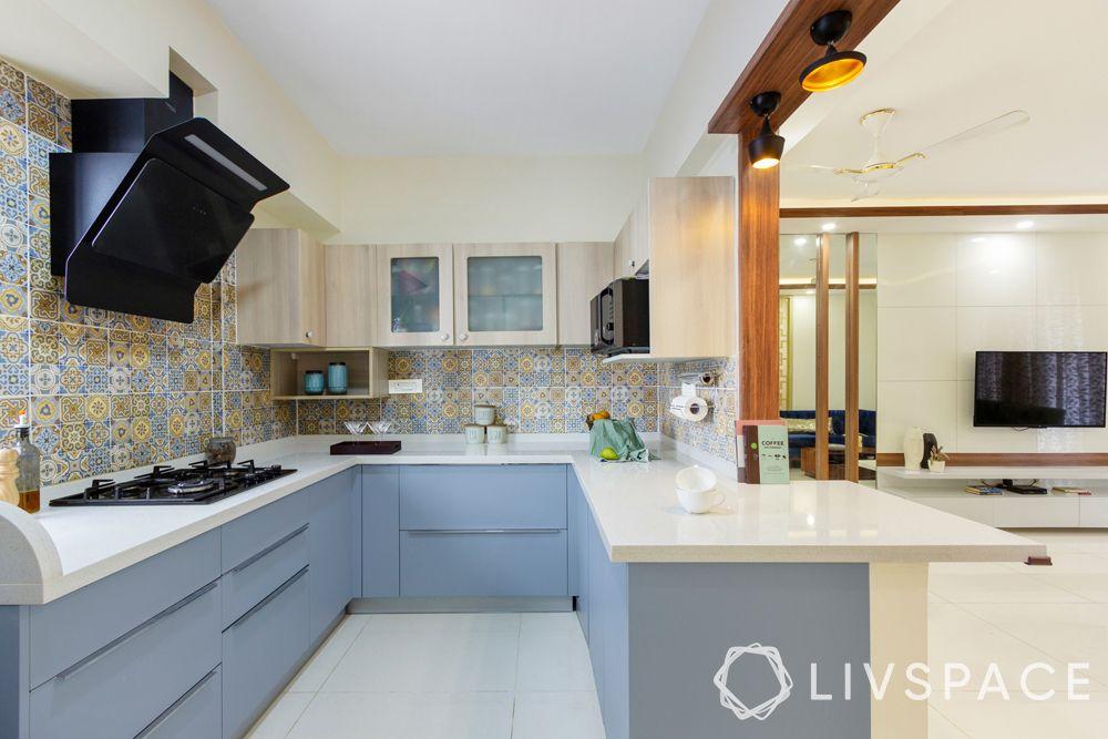 kitchen style-U shaped-blue cabinets