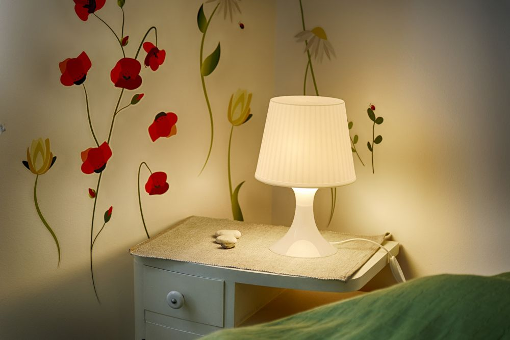 small bedroom design-side table-table lamp-wall sticker