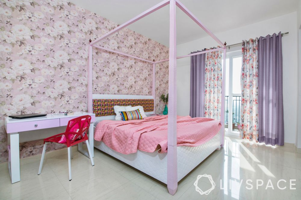 bedroom ideas for girls-princess themed room-four poster bed-floral wallpaper