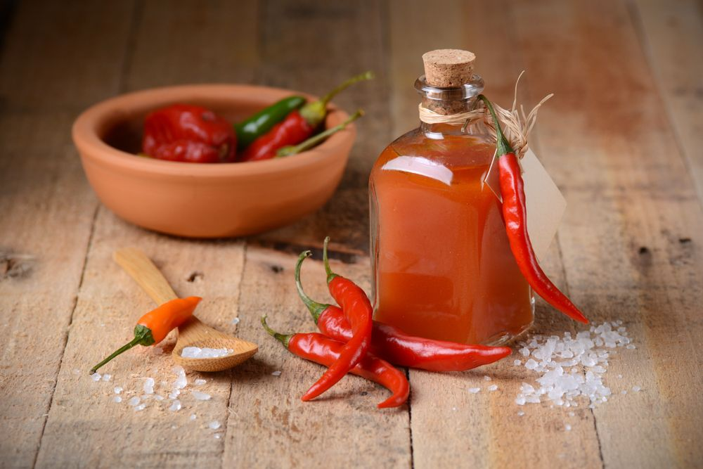 home remedies to get rid of lizards - tabasco and water