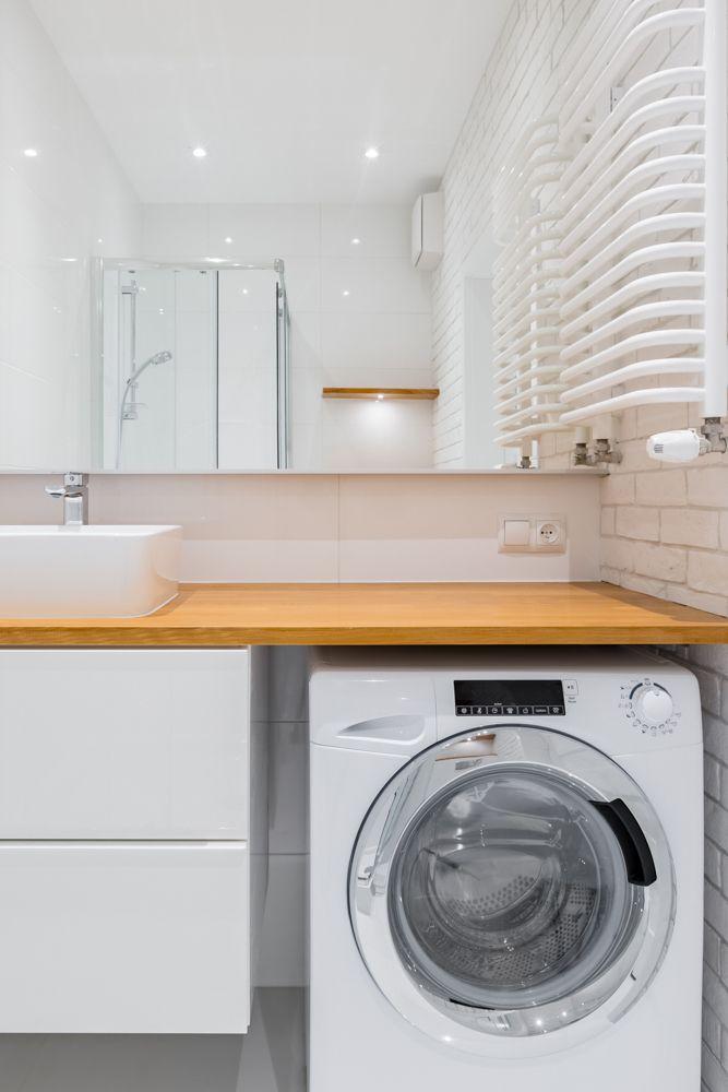 utility room-white sink and washing machine
